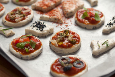 Mini pizzas and canapés
